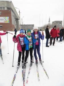 юные лыжницы
